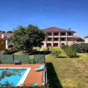 Apartamentos Ría de Aldán Pisina y jardin