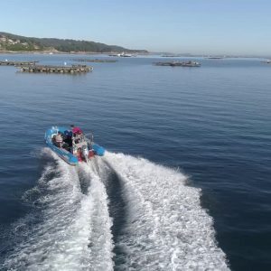 alquiler de barco en la ria de aldan